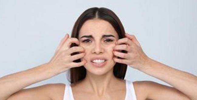 wajah gatal karena kulit sensitif